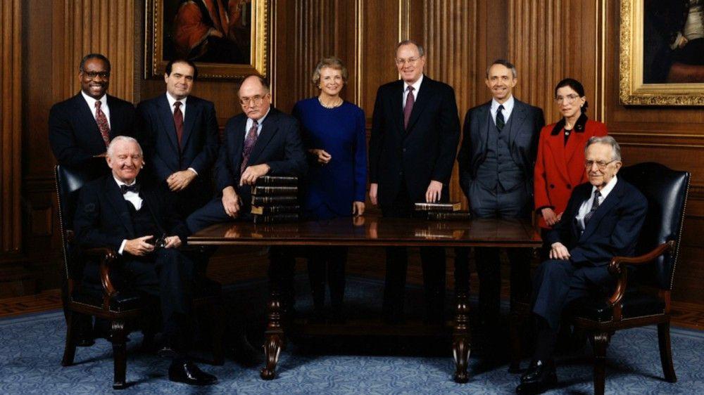 Im Dienste der Gleichberechtigung: Ruth Bader Ginsburg (zweite von rechts) wurde als zweite Frau 1993 an den Supreme Court der USA berufen.