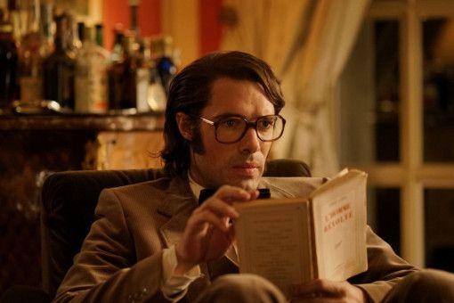 Der selbstgefällige Victor (Nicolas Bedos) hat schon bald großen Erfolg als Autor.