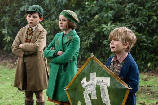 Die nächste Generation Banks-Kinder: John (Nathanael Saleh), Anabel (Pixie Davies) und Georgie (Joel Dawson, rechts) haben nicht viel von ihrem zerstreuten Vater Michael und stromern unerlaubt durch Londons Parkanlagen.
