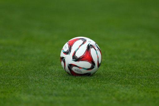 DAZN sichert sich größtes TV-Paket an der Champions League