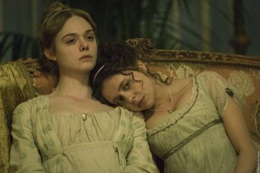 Mary (Elle Fanning, links) und Claire (Bel Powley) langweilen sich in Genf.