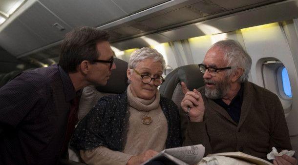 Auf dem Weg nach Schweden werden Joe (Jonathan Pryce, rechts) und Joan (Glenn Close) vom Nathaniel Bone (Christian Slater) begleitet.
