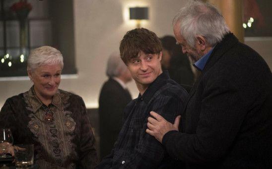 Sohn David (Max Irons, Mitte) ist ebenfalls Schriftsteller und wünscht sich die Anerkennung seines Vaters (Jonathan Pryce).