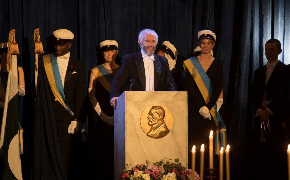 Frau Des Nobelpreisträgers