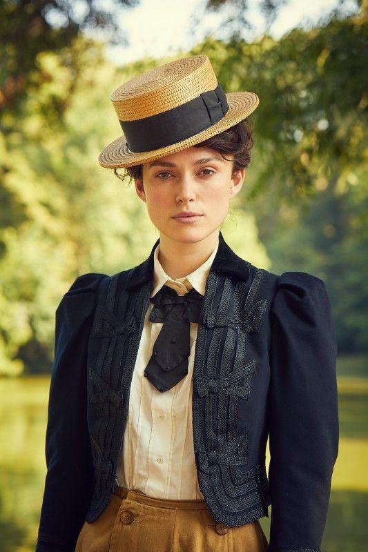 Colette (Keira Knightley) wächst mit ihrem Schreiben aus der Rolle der braven Ehefrau heraus.