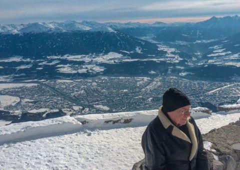Christian Bruhn kommt noch einmal zurück nach Kärnten, wo er während des Krieges einige Jahre seiner Kindheit verbrachte.
