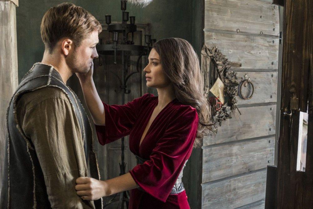 Robin (Taron Egerton) und seine Liebste, Marian (Eve Hewson).