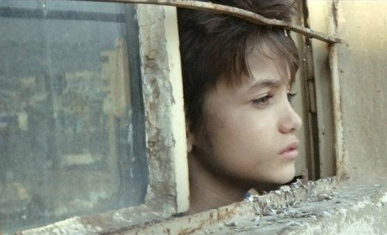 Zain (Zain Al Rafeea) läuft von zu Hause weg und schlägt sich alleine durch.