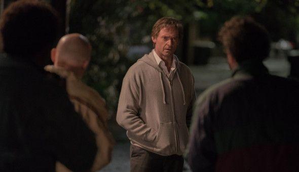 Die Presse lauert Hart (Hugh Jackman) auf, um ihn zu seiner möglichen Affäre zu befragen.