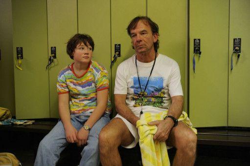 Vater (Martin Wuttke) und Tochter (Ella Frey) wissen nicht weiter: Das Leben ist nicht fair zu den beiden.