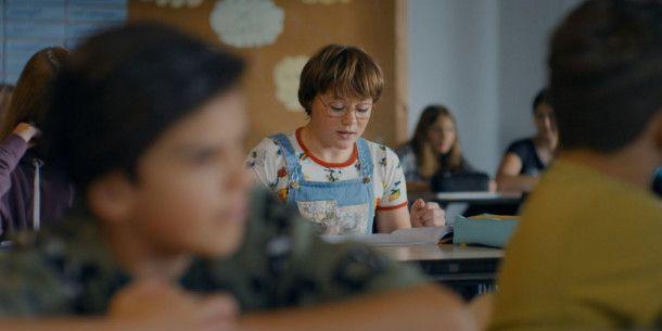 In der Schule wird Jessica (Ella Frey) immer wieder gehänselt.