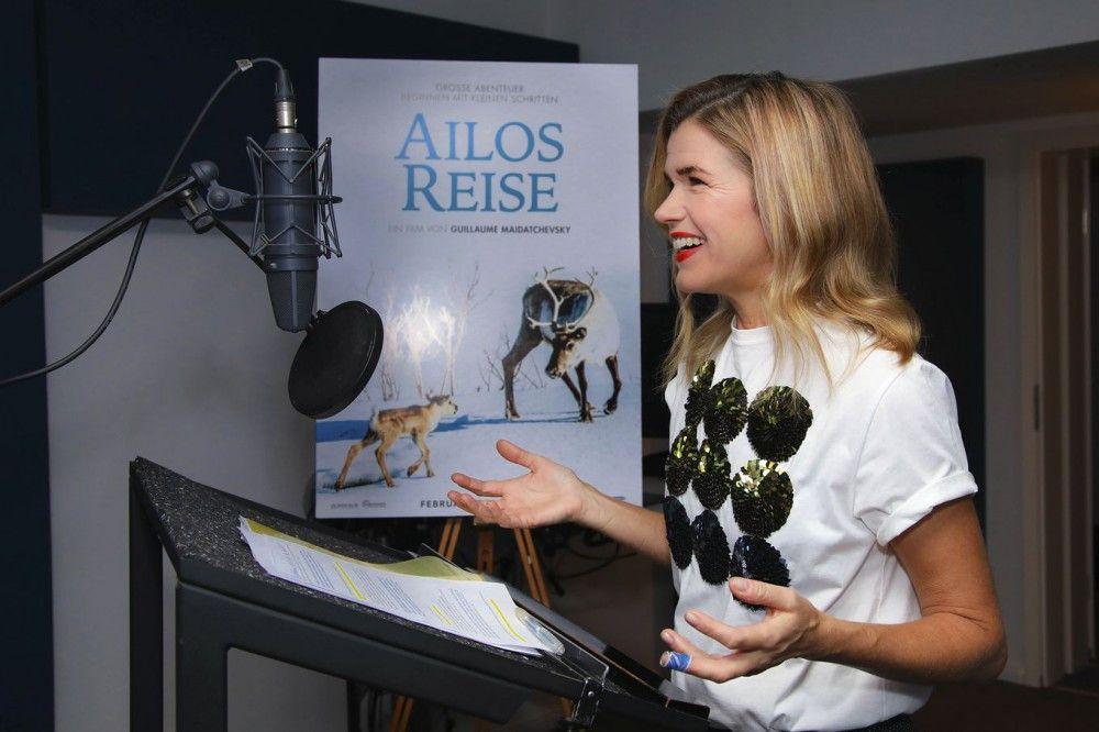 """Anke Engelke erzählt die Geschichte von """"Ailos Reise""""."""