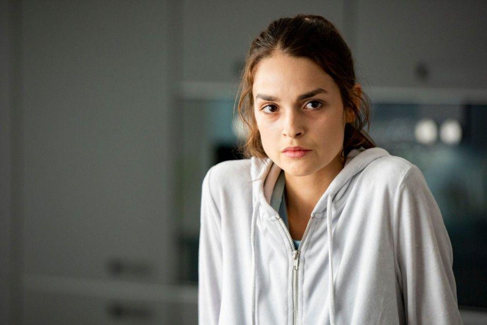 Emma (Luise Befort) ist Leos heimlicher Schwarm.