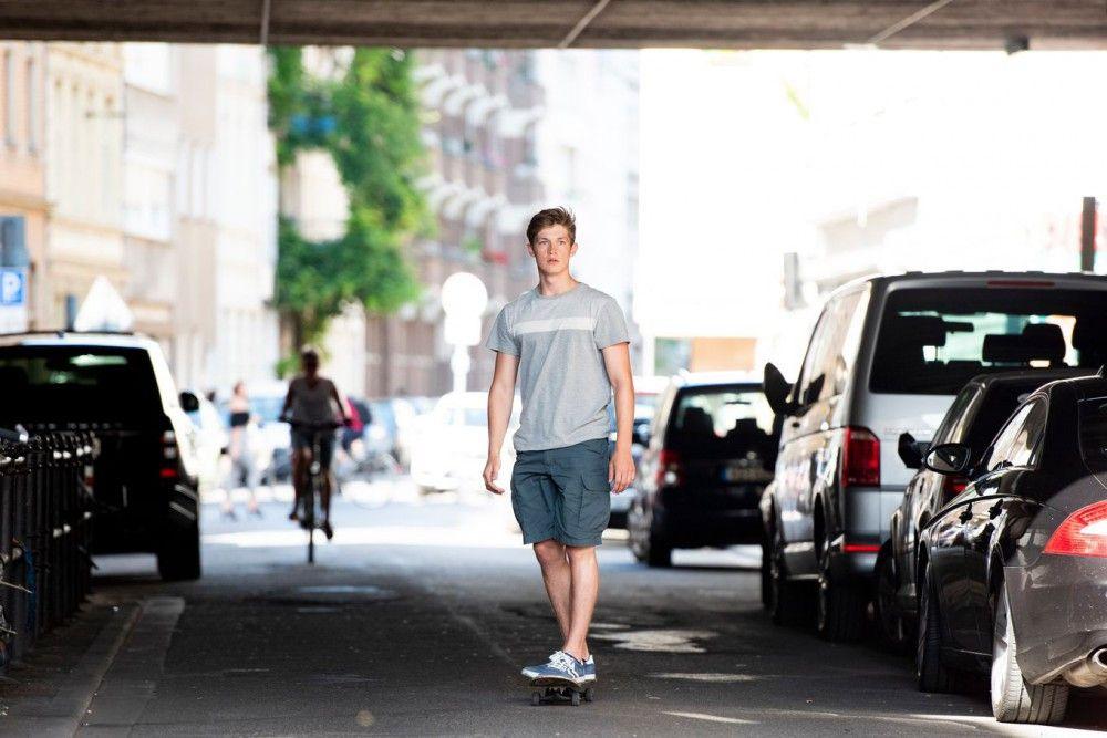 Jonas (Damian Hardung) ahnt noch nicht, dass er bald ins Krankenhaus muss.
