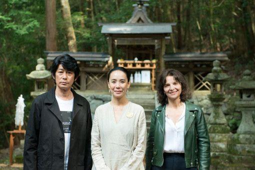 """Naomi Kawase (Mitte) drehte """"Die Blüte des Einklangs"""" mit Juliette Binoche und Masatoshi Nagase in ihrer Heimat Japan."""