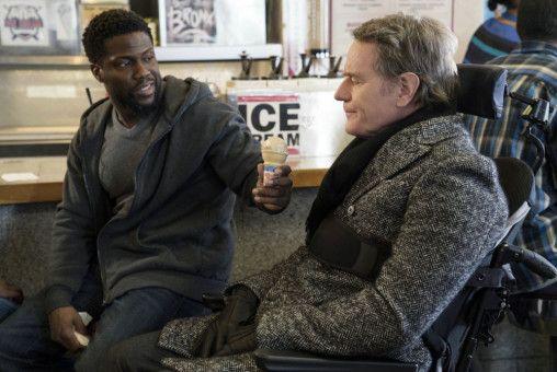 Dell (Kevin Hart, links) lädt Phillip (Bryan Cranston) zum besten Eis New Yorks ein.