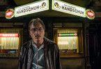 """Im """"Goldenen Handschuh"""" versäuft der Serienmörder Fritz Honka (Jonas Dassler) seinen kargen Lohn."""