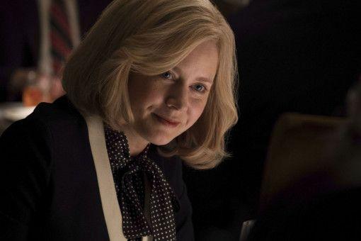 Linda Cheney (Adam McKay) macht sich Sorgen um die Karriere ihres Mannes.
