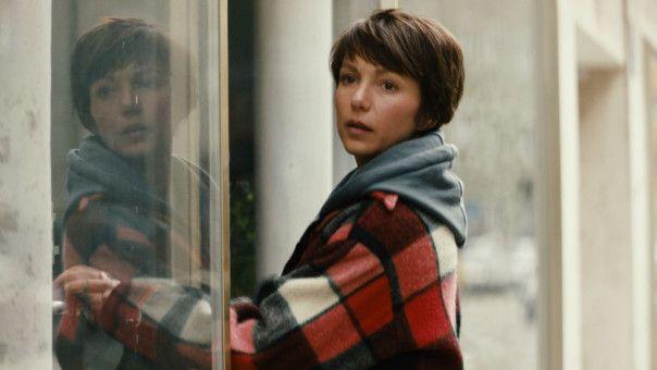 Ihr Freund benimmt sich seltsam. Wie wird Carola (Julia Koschitz) auf den veränderten Steve reagieren?