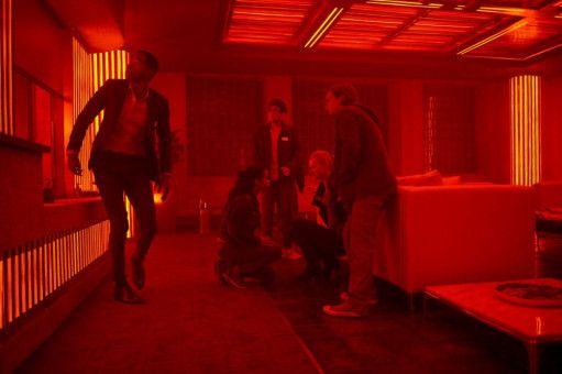 Der Escape Room wird zur Sauna. Und Jason (Jay Ellis), Zoey (Taylor Russell), Danny (Nick Dodani), Amanda (Deborah Ann Woll) sowie Ben (Logan Miller, von links) wollen nur noch weg.