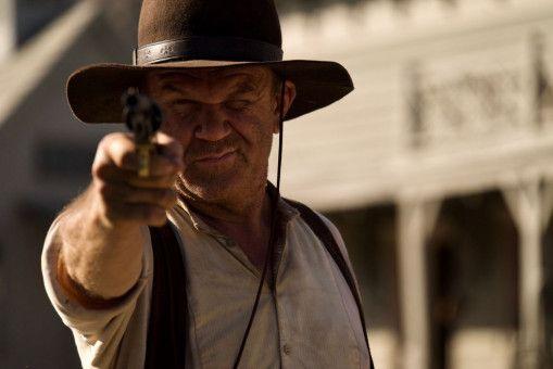 Eli Sisters (John C. Reilly) ist ein absolut tödlicher Revolvermann. Dabei denkt er längst daran, der Branche den Rücken zu kehren.