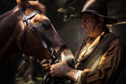 Eli (John C. Reilly) hat ein inniges Verhältnis zu seinem Pferd entwickelt, auch wenn es nicht das schnellste ist.