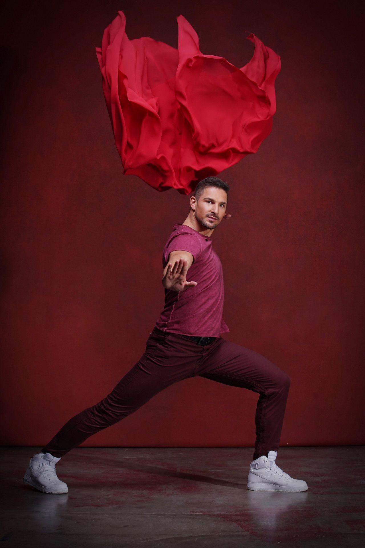 """Für Benjamin Piwko ist die Teilnahme bei """"Let's Dance"""" eine ganz besondere Herausforderung: Der Schauspieler und Kampfkunst-Sportler ist gehörlos, seitdem er als Baby an einer Virusinfektion erkrankte."""