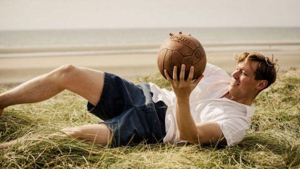 Die große Leidenschaft von Bert Trautmann (David Kross) ist der Fußball.