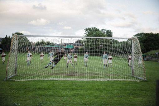 """""""Trautmann"""" erzählt von der völkerverbindenden Kraft des Fußballs."""