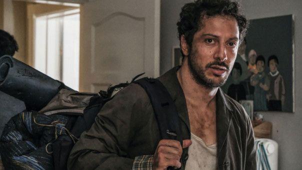 Rocca freundet sich mit dem Obdachlosen Caspar (Fahri Yardim) an und nimmt ihn unter ihre Fittiche.