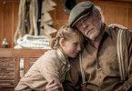 Matilda (Sophie Lane Nolte) liebt ihren Großvater (Nick Nolte), merkt aber auch, dass etwas nicht in Ordnung ist mit ihm.