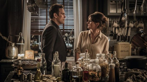 Nick (Matt Dillon) und Sarah (Emily Mortimer) geraten wegen Amandus in Streit.