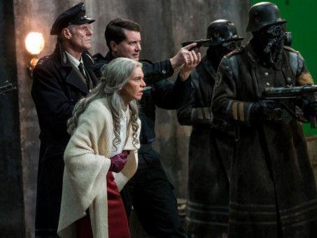 Die Zeit ist an Renate Richter (Julia Dietze), dem ehemaligen Superweib der Mondnazis, nicht spurlos vorübergegangen.