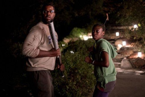 Vater Gabe (Winston Duke) und Tochter Zora (Shahadi Wright Joseph) holen zum Gegenschlag aus.
