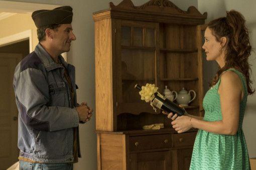 Als Nicol (Leslie Mann) in seiner Nachbarschaft einzieht, taut Mark (Steve Carell) ein wenig auf.