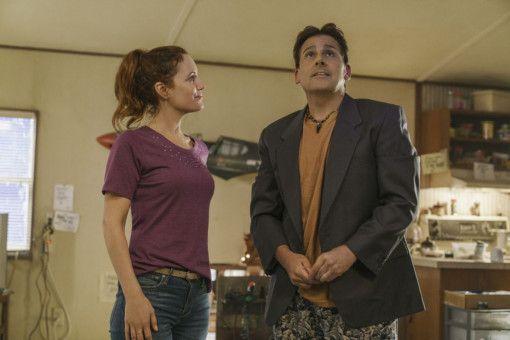 Nicol (Leslie Mann) hilft ihrem Nachbarn Mark (Steve Carell), sich in der echten Welt besser zurechtzufinden.