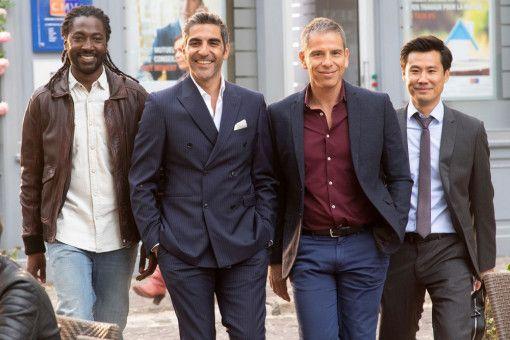 Die lieben Schwiegersöhne: Charles (Noom Diawara), David (Ary Abittan), Rachid (Medi Sadoun) und Chao (Frédéric Chau) machen Monsieur Claude einen Strich durch die harmonische Familien-Rechnung.