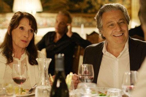 Klarer Auftrag für Marie (Chantal Lauby) und Claude Verneuil (Christian Clavier): Bei feinsten kulinarischen Genüssen lassen sich Frankreichs Vorzüge exzellent ins beste Licht rücken.