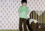 Hier wird's schon ein bisschen schwerer. Dieser schüchterne Junge ist Özcan Cosar.