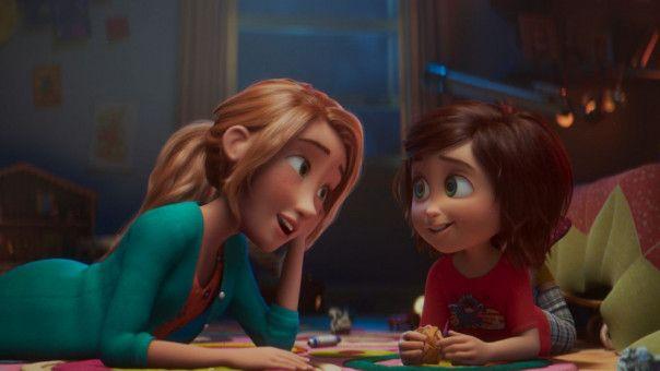 Immer kurz vor dem Einschlafen lassen sich June (rechts) und ihre Mutter neue Ideen für den geheimnisvollen Park einfallen.