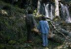 Tina (Eva Melander) entdeckt mit Vore (Eero Milonoff) die Magie des Waldes.