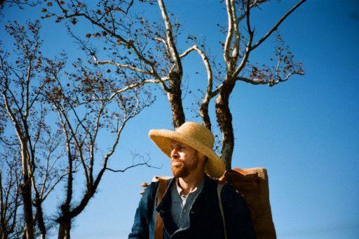 Vincent van Gogh (Willem Dafoe) will in der Provence die Schönheit des Augenblicks für die Ewigkeit festhalten.