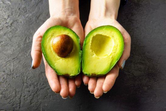 Cremiges Fruchtfleisch: Avocados lassen sich vielseitig verarbeiten.