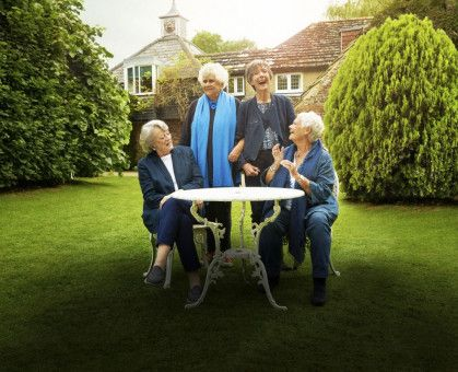Wie lange sie schon befreundet sich, können sie gar nicht mehr rekonstruieren, von links: Maggie Smith, Joan Plowright, Eileen Atkins und Judi Dench kennen sich seit Jahrzehnten.