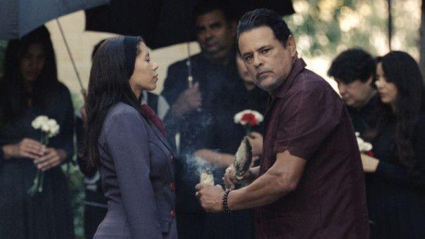 Der Schamane Rafael Olvero (Raymond Cruz) ist mit bösen Geistern vertraut.