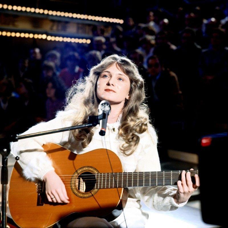 """Nicole gewann nicht nur den """"Grand Prix d'Eurovision de la Chanson"""", sondern war auch die Seriensiegerin im ZDF. 17 Nummer-Eins-Platzierungen – so viele schaffte sonst keiner."""