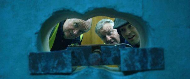 Beinahe drin: Terry Perkins (Jim Broadbent), Danny Jones (Ray Winstone) und Basil (Charlie Cox) versuchen, in ein prall gefülltes Gelddepot einzudringen.