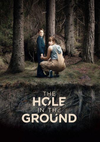 """Spannender Horrorthriller: In """"The Hole in the Ground"""" beschleicht eine Mutter der beängstigende Verdacht, mit ihrem Sohn könne etwas ganz und gar nicht in Ordnung sein."""