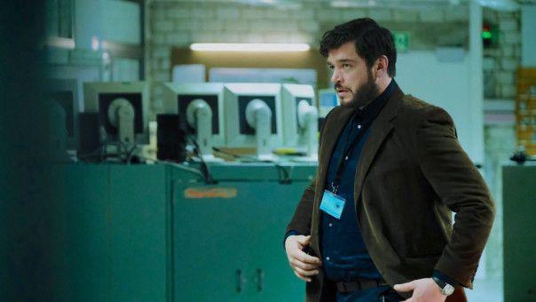Martin Behrens (Ronald Zehrfeld) hat nicht mehr viel Spaß an seiner Arbeit für den Bundesnachrichtendienst.