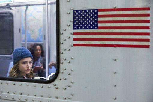 In der U-Bahn wartet das Grauen. Noch aber weiß Frances (Chloë Grace Moretz) nicht, was sie erwartet.